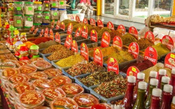 Соусы и приправы промышленного производства в Сочи на базарах и ларьках